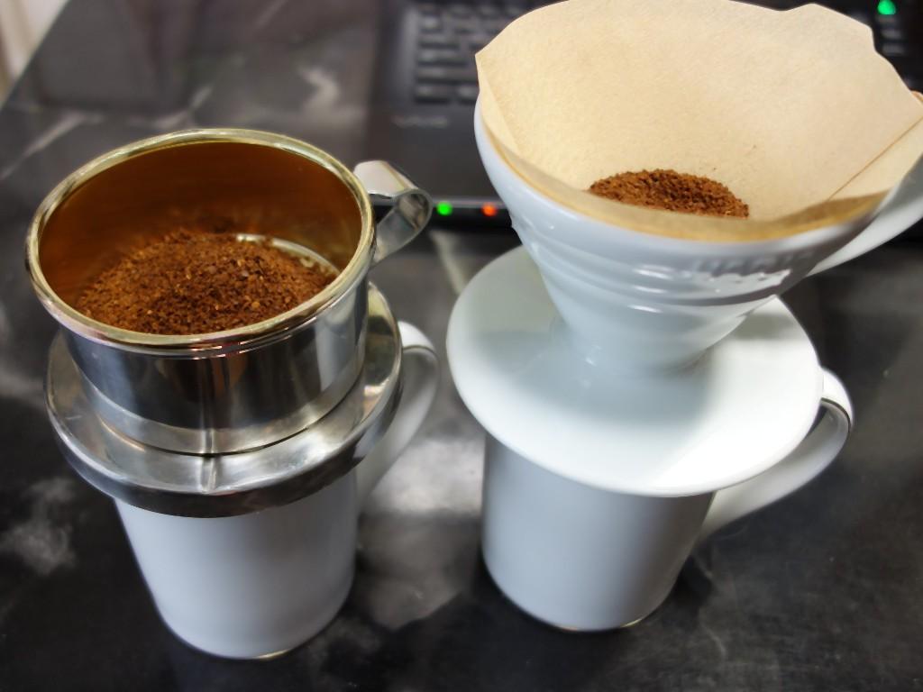 カフェテリア コーヒードリッパー VS ペーパーフィルター